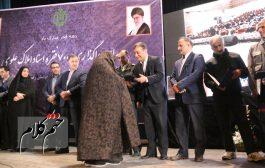 اهدای 500 فقره اسناد املاک علوی، به متصرفین واجد شرایط اراضی بنیاد در استان گیلان+گزارش تصویری