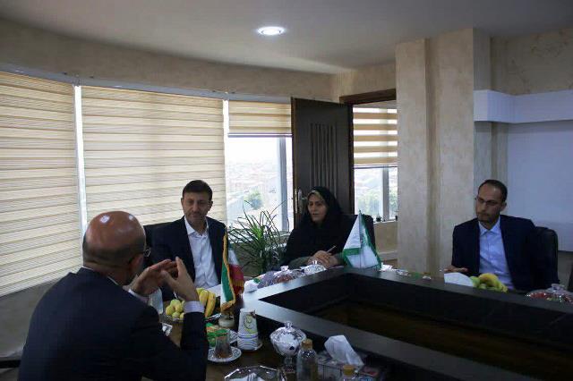 بازدید ناصر حاج محمدی شهردار رشت از سازمان سرمایه گذاری و مشارکتهای مردمی شهرداری به منظور بررسی پروژه ها و فرصت های سرمایه گذاری