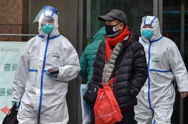 سخنگوی دانشگاه علوم پزشکی گیلان:  کرونا اطفال را تحت تاثیر قرار نمیدهد | افراد سالم ماسک نزنند