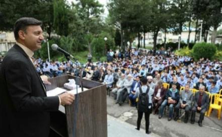 تاکید شهردار رشت به دانش آموزان در مدرسه شهید بهشتی: باید بتوانید آینده سازان خوبی برای جامعه شوید