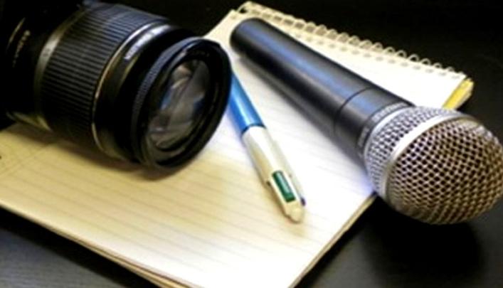 ارائه بسته های حمایتی و معیشتی به اصحاب رسانه ضرورت دارد