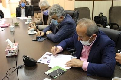 رئیس دانشگاه علوم پزشکی گیلان از طریق سامانه تلفنی سامد ۱۱۱ پاسخگوی سوالات مردم بود