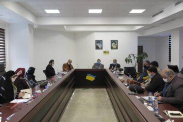 اجرای راهبردهای اقتصاد مقاومتی از طریق تقویت ظرفیت های صادرات صنایع دستی در منطقه آزاد انزلی