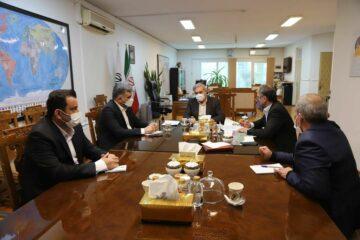 سرپرست و اعضای هیأت مدیره سازمان منطقه آزادانزلی آزاد انزلی با مشاور رییس جمهور دیدار کردند